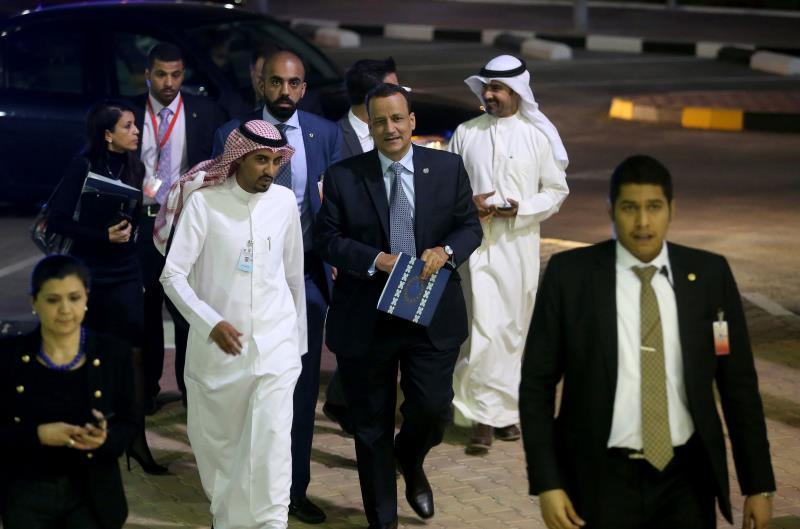 قال ولد الشيخ إن الحلّ لن يحصل إلا في إطار سياسي شامل قد يأخذ بعض الوقت (أ ف ب)