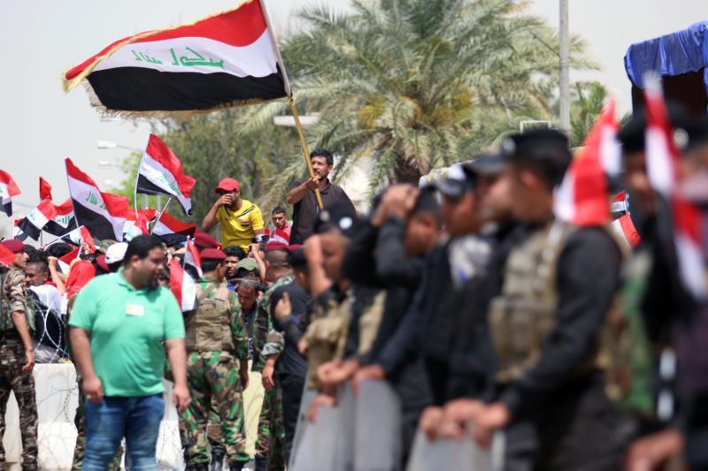 من التظاهرات التي دعا إليها التيار الصدري في بغداد أمس (أ ف ب)صورة العراق
