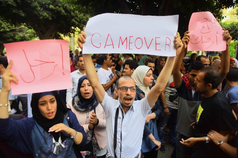 يدرك النظام أهمية «نقابة الصحافيين» التي لم يجرؤ نظام مبارك على حصارها (آي بي ايه)