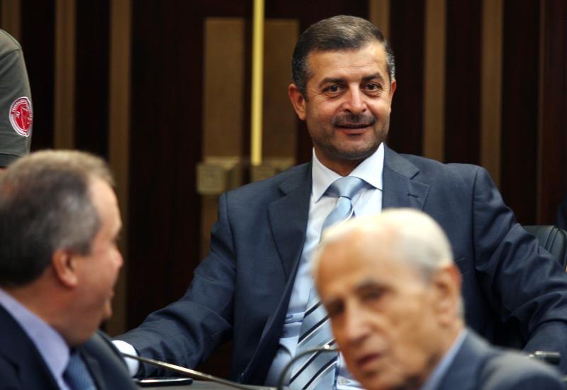 سعى غبريس إلى التلطّي تحت جناح عبدالله بري، لكنه فُصِل من «أمل» (مروان طحطح)