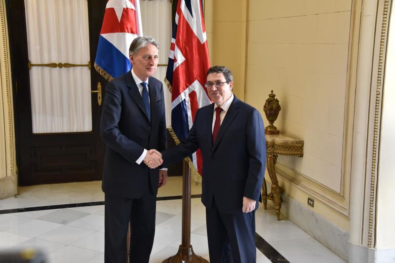 من المتوقع أن يوقّع هاموند اتفاقاً ثنائياً لإعادة دين كوبا إلى المملكة البريطانية