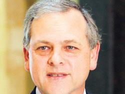 نبيل دي فريج   (نائب منذ عام 2000)