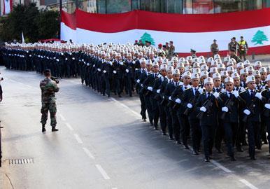 عرض الاستقلال الغائب: الأمن أولاً