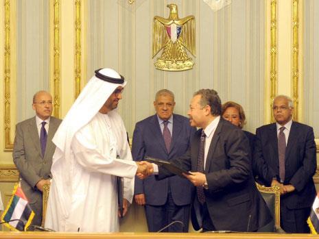 الخليج يكافئ القاهرة بالمزيد من المساعدات