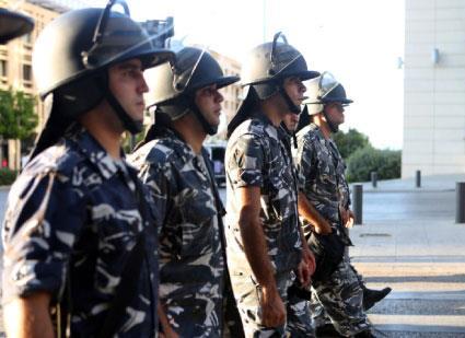 السلطة تعاند وتحصر المطالب بالعنف والبيئة