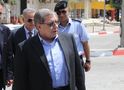 الشكعة: عباس مصرّ على الاستقالة في ظل إخفاق التسوية
