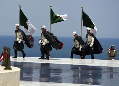 سقوط ليبيا وهيمنة الجزائر وتونس المحاصرة