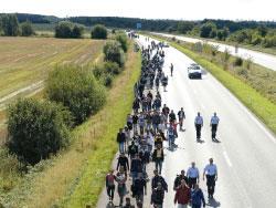 قصّة مهاجر: رحلةُ الدّولِ الثمانية
