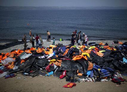 زوارة الليبية: مراكب الموت من زاوية قريبة