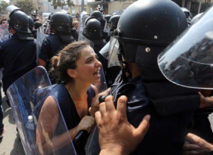قوى الأمن الداخلي «تفتك» بحق التظاهر وحرية   التعبير