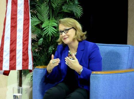 السفيرة الأميركية تنشط في الجزائر: لجسّ النبض؟
