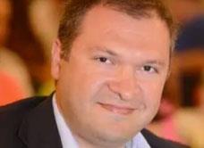 هشام كنج:  «زنبرك» مركز الثقل المتني