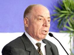 وزارة حلمي النمنم: إصلاح فكري أم استقرار إداري؟