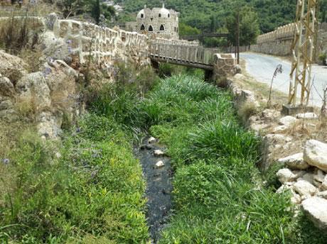 نهر المياه الآسنة في تفاحتا: مشكلة عمرها   ربع قرن