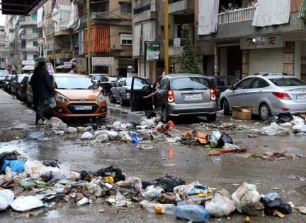 الزبالة تحتجز سكان  بيروت والضواحي