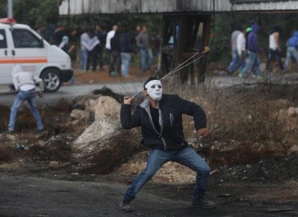متضامنو الخليل سنداً للمقاومة ضد الاحتلال