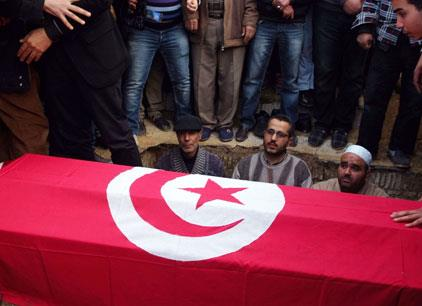 تونس: مقتل أربعة أمنيين قرب الحدود الجزائرية