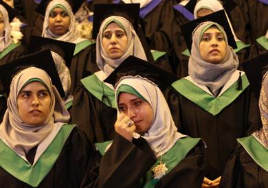 «الأونروا» تخيّر متخرّجي غزة: البطالة أو العمل في النظافة!