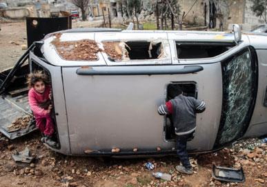 السوريون على الجبهات: رصاص... وكلام