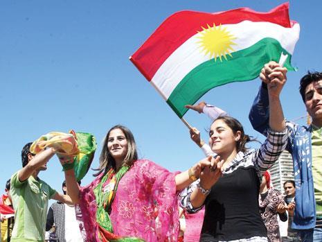 الأكراد يستقبلون الربيع بـ«النوروز»