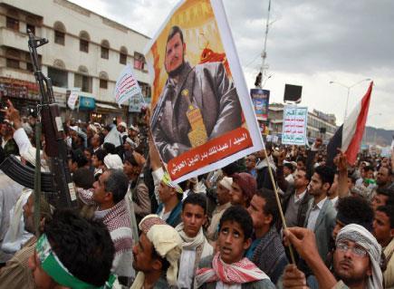 الحوثيون يسابقون «شرم الشيخ» ويتقدمون جنوباً... وشمالاً