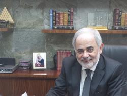 أمل أبو زيد... عابر الحدود بين السياسة والاقتصاد