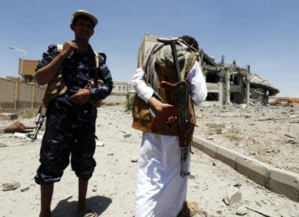 السعودية تراهن على «القاعدة» لإعادة هادي إلى عدن... أو حضرموت