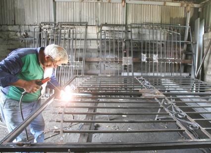 كفرشيما: الصناعة في ديارها عامرة