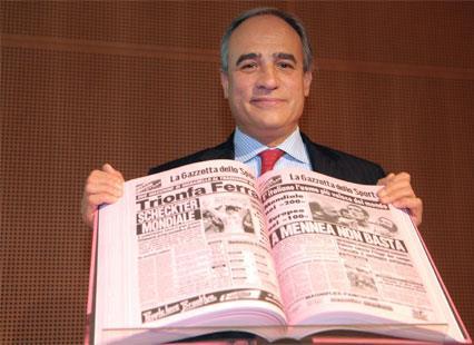 فنجان «كابوتشينو» وصحيفة رياضية: المطبوعات الإيطالية شغف وصوت الجمهور