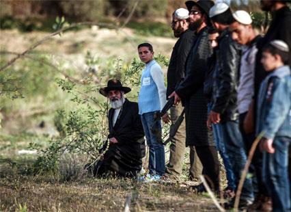 الدراما الفلسطينية  لبست كوفية «الفدائي»
