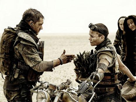 فيلم الأسبوع | Mad Max مطاردة فوق الرمال