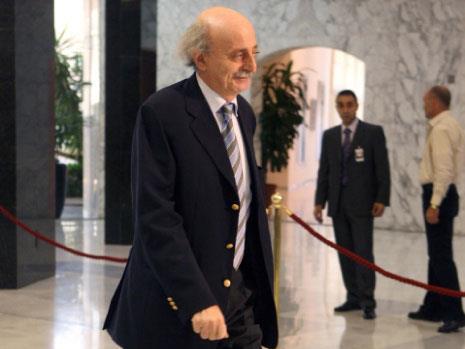 السعودية: قطر موّلت جنبلاط لتسليح الدروز في سوريا وتحريك الأسير