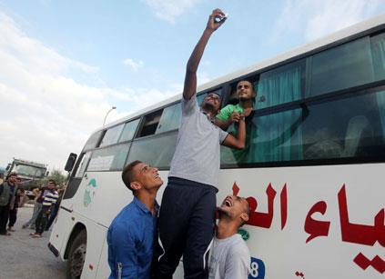 فلسطين | عباس يردّ على «دردشات حماس ــ إسرائيل» بـ«حكومة جديدة»