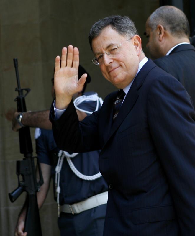 أحد من وجّهوا الدعوة للسنيورة هو اول سفير أردني في إسرائيل (مروان طحطح)