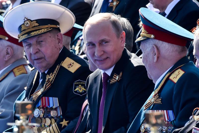 بوتين: دروس التاريخ تشهد على أن إحلال السلام في العالم لا يتحقق تلقائياً (أ ف ب)