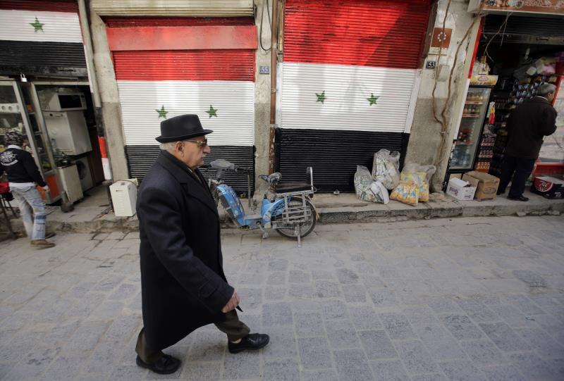 وصل سعر صرف الدولار إلى نحو 650 ليرة سورية