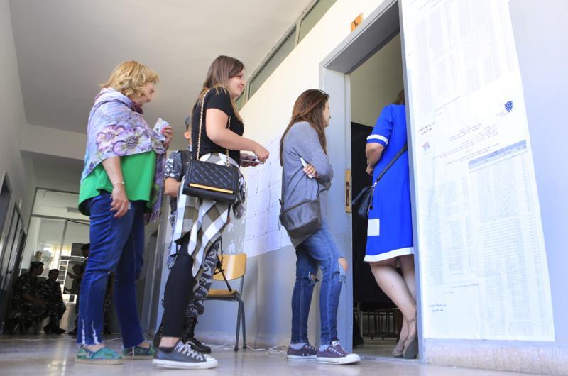يراجع المستقبليون نتائج الانتخابات البلدية السابقة، ليطمئنّوا إلى أن نسبة الاقتراع لم تتجاوز عتبة الـ20 في المئة (مروان بوحيدر)