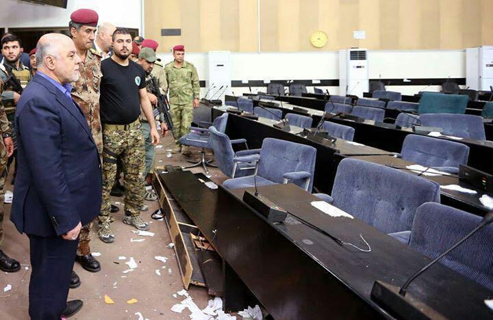 توقفت جلسات البرلمان قبل 12 يوماً إثر اقتحامه من قبل المتظاهرين (أ ف ب)