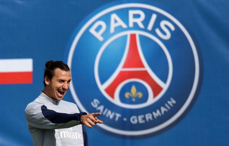انتقل إبراهيموفيتش إلى باريس سان جيرمان عام 2012 (أ ف ب)