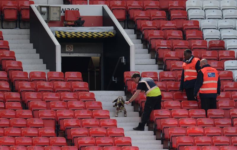 طلبت الشرطة إلغاء المباراة (أولي سكارف ــ أ ف ب)