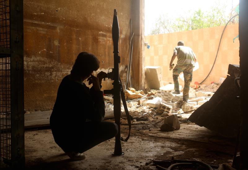 أعلن «جيش الثوار» نيته «تطهير» أرياف إدلب من «النصرة» (أ ف ب)