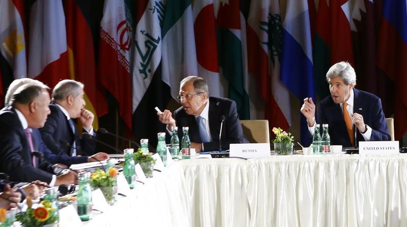 دعا الاجتماع الفصائل للتنصل من تنظيمي «داعش» و«النصرة» (أ ف ب)