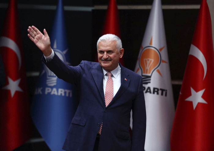 تعهد يلديريم قبيل ترشيحه بالعمل «بانسجام تام» مع أردوغان