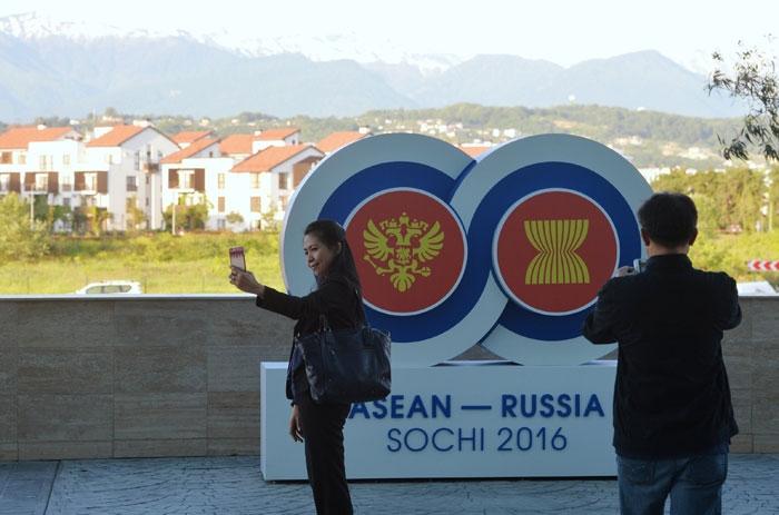 بيسكوف: «من الخطأ الكلام عن استدارة استراتيجية نحو الشرق»