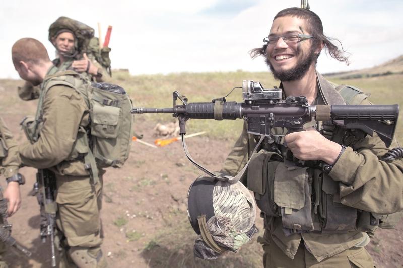 باراك لموفاز: علينا الانسحاب تدريجاً، والمهم أن لا يعلم جيش لحد بالقرار