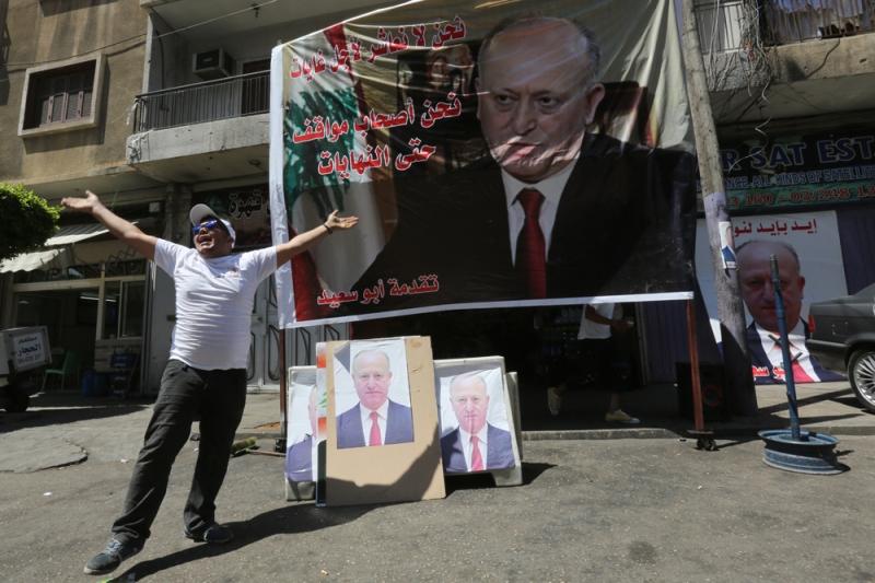تبين من نتائج انتخابات طرابلس أمس أن أشرف ريفي هو الطرف الأقوى في عاصمة الشمال (مروان طحطح)