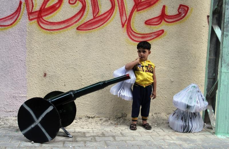 الغزيون يستقبلون رمضان مجدداً في وضع اقتصادي صعب وحصار مستمر (آي بي ايه)