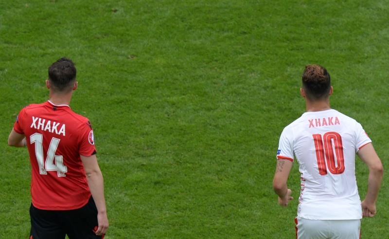 غرانيت وتاولانت شاكا هما اول شقيقين يتواجهان في تاريخ كأس اوروبا (أ ف ب)