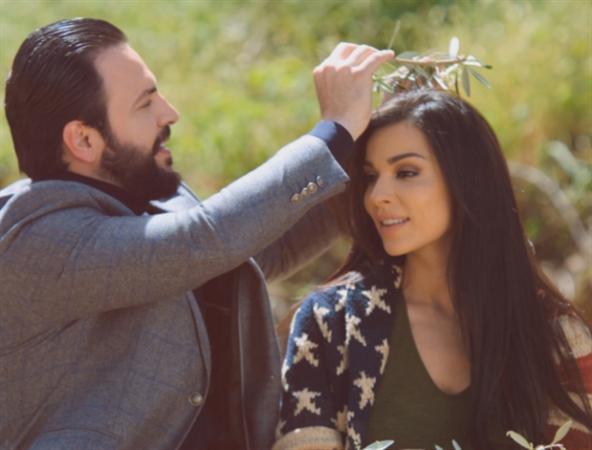 نادين نسيب نجيم (يارا) وتيم حسن (ميّار) في مشهد من المسلسل