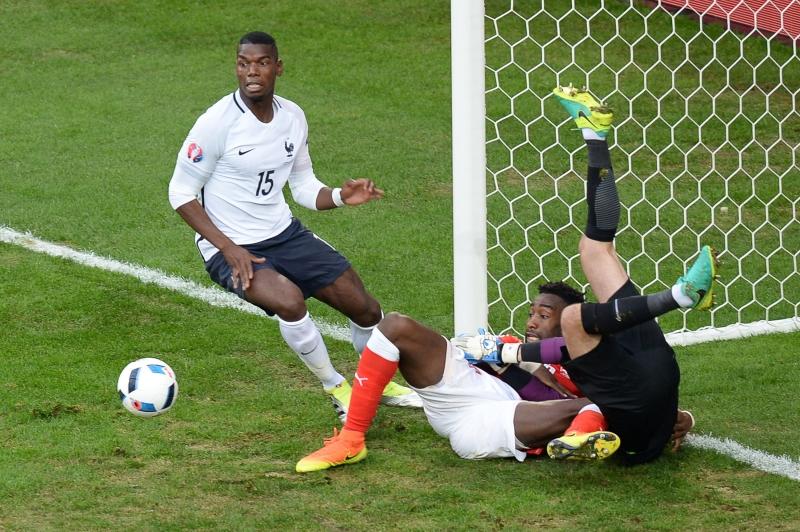 استعاد بوغبا مستواه المعهود في المباراة الثالثة له في البطولة (أ ف ب)